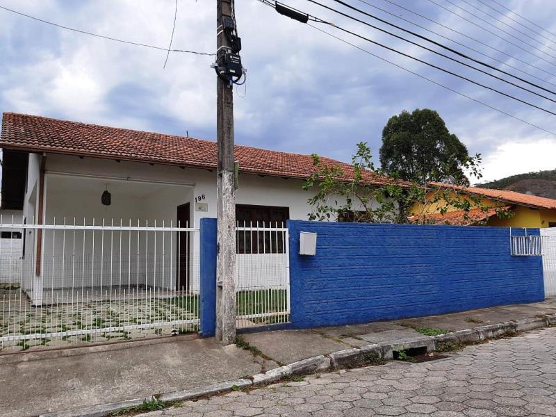 Casa-Codigo-50-para-alugar-no-bairro-Rio-Tavares-na-cidade-de-Florianópolis