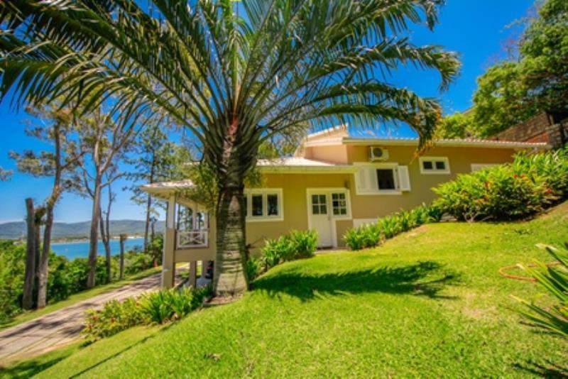 Casa-Codigo-1038-a-Venda-no-bairro-Praia-Mole-na-cidade-de-Florianópolis
