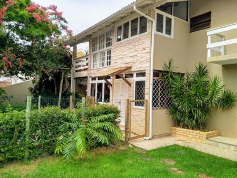 Casa-Codigo-1045-a-Venda-no-bairro-Lagoa-da-Conceição-na-cidade-de-Florianópolis
