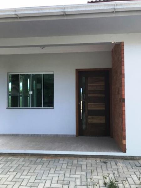 Casa-Codigo-1050-a-Venda-no-bairro-Barra-da-Lagoa-na-cidade-de-Florianópolis