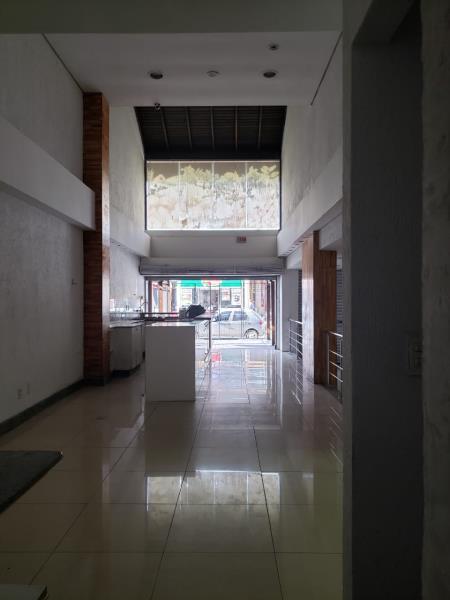 Sala-Codigo-92-para-alugar-no-bairro-Lagoa-da-Conceição-na-cidade-de-Florianópolis