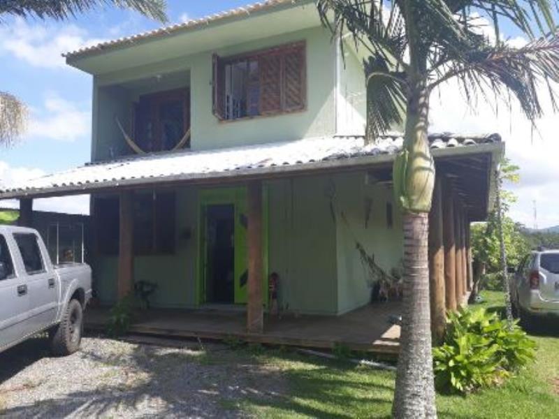 Casa-Codigo-1075-para-alugar-no-bairro-Joaquina-na-cidade-de-Florianópolis