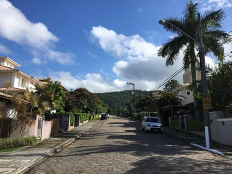 Terreno-Codigo-1082-a-Venda-no-bairro-Lagoa-da-Conceição-na-cidade-de-Florianópolis