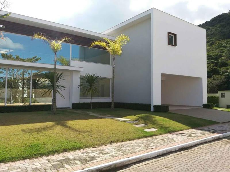 Casa-Codigo-1095-a-Venda-no-bairro-Cachoeira-do-Bom-Jesus-na-cidade-de-Florianópolis