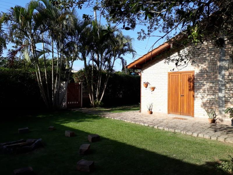 Casa-Codigo-1098-para-alugar-no-bairro-Rio-Tavares-na-cidade-de-Florianópolis
