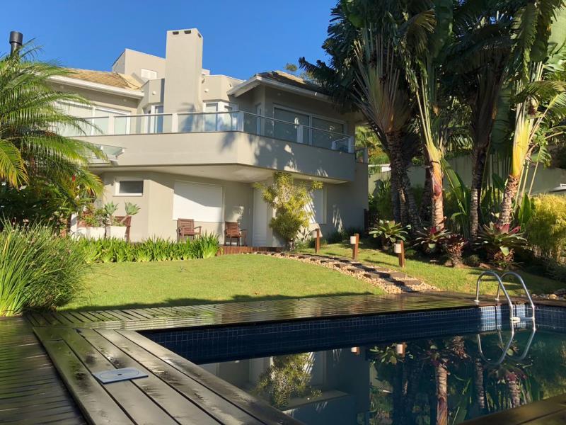 Casa-Codigo-1132-a-Venda-no-bairro-Lagoa-da-Conceição-na-cidade-de-Florianópolis