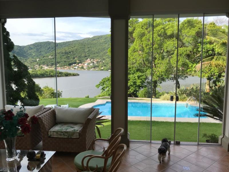 Casa-Codigo-1135-para-alugar-no-bairro-Lagoa-da-Conceição-na-cidade-de-Florianópolis