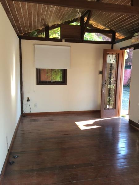 Sala-Codigo-1146-para-alugar-no-bairro-Lagoa-da-Conceição-na-cidade-de-Florianópolis