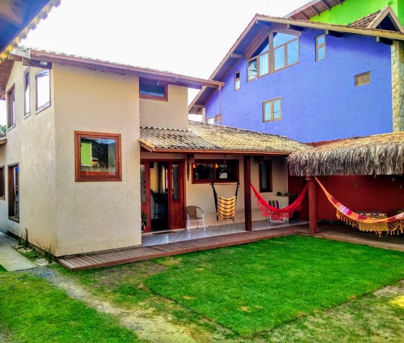 Casa-Codigo-1148-a-Venda-no-bairro-Barra-da-Lagoa-na-cidade-de-Florianópolis