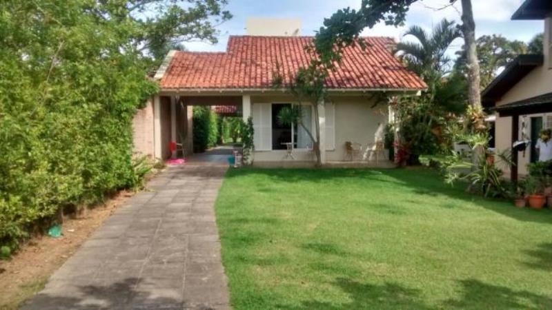 Casa-Codigo-1167-a-Venda-no-bairro-Lagoa-da-Conceição-na-cidade-de-Florianópolis