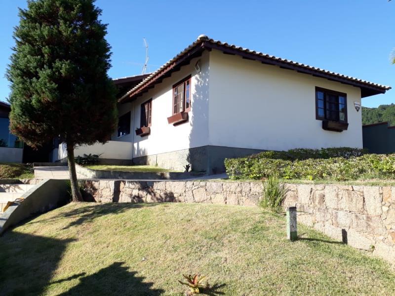 Casa-Codigo-1174-a-Venda-no-bairro-Barra-da-Lagoa-na-cidade-de-Florianópolis