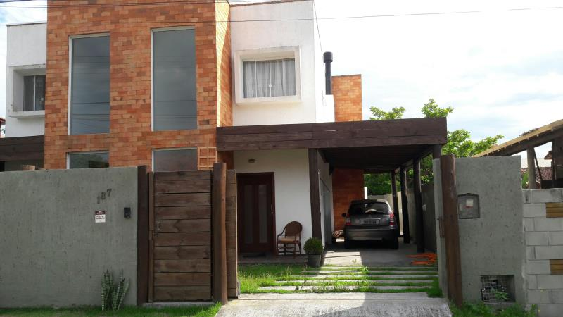 Casa-Codigo-1178-para-alugar-no-bairro-Rio-Tavares-na-cidade-de-Florianópolis