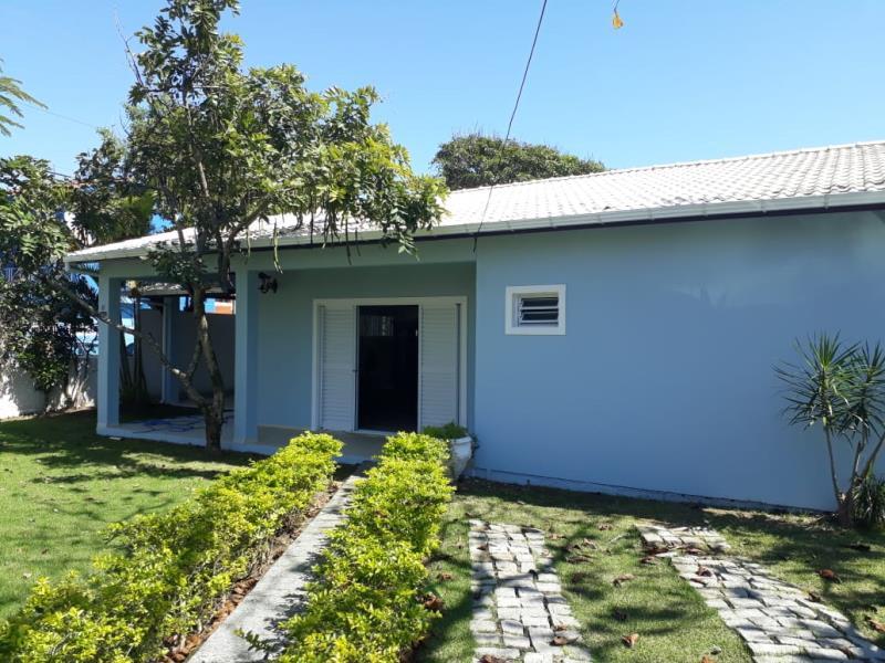 Casa-Codigo-1184-para-Alugar-na-temporada-no-bairro-Barra-da-Lagoa-na-cidade-de-Florianópolis