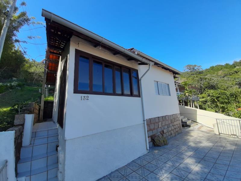 Casa-Codigo-1191-para-alugar-no-bairro-Barra-da-Lagoa-na-cidade-de-Florianópolis