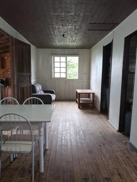 Casa-Codigo-1220-para-alugar-no-bairro-Barra-da-Lagoa-na-cidade-de-Florianópolis