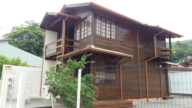 Casa-Codigo-1228-para-Alugar-na-temporada-no-bairro-Lagoa-da-Conceição-na-cidade-de-Florianópolis