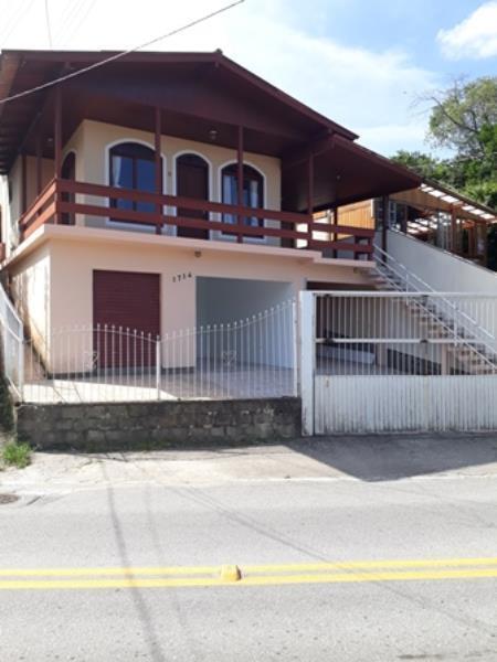 Casa-Codigo-1237-para-Alugar-na-temporada-no-bairro-Lagoa-da-Conceição-na-cidade-de-Florianópolis