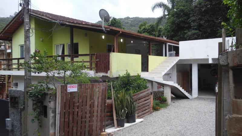 Casa-Codigo-1240-para-alugar-no-bairro-Lagoa-da-Conceição-na-cidade-de-Florianópolis