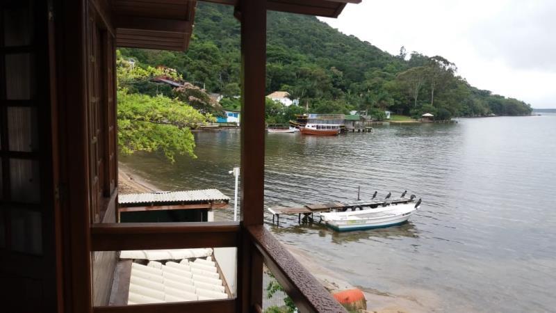 Casa-Codigo-1277-a-Venda-no-bairro-Lagoa-da-Conceição-na-cidade-de-Florianópolis