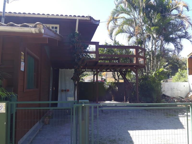 Casa-Codigo-1294-para-alugar-no-bairro-Lagoa-da-Conceição-na-cidade-de-Florianópolis