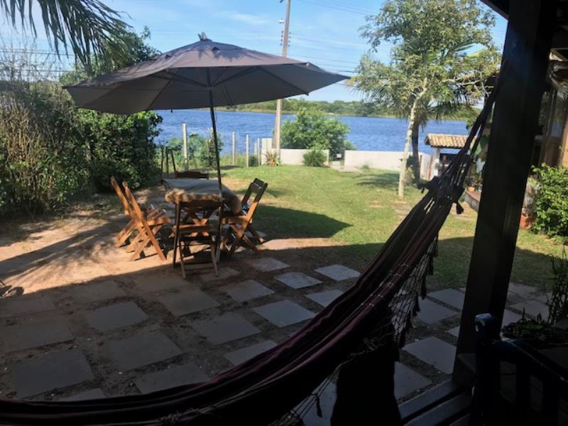 Casa-Codigo-1300-a-Venda-no-bairro-Campeche-na-cidade-de-Florianópolis