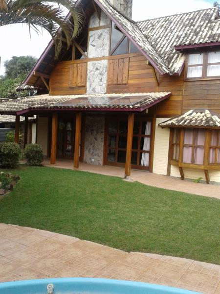 Casa-Codigo-1327-a-Venda-no-bairro-Lagoa-da-Conceição-na-cidade-de-Florianópolis