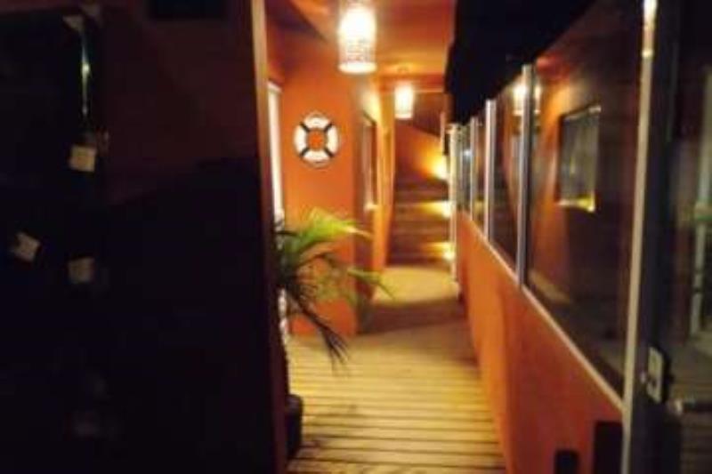 Casa-Codigo-1332-a-Venda-no-bairro-Barra-da-Lagoa-na-cidade-de-Florianópolis