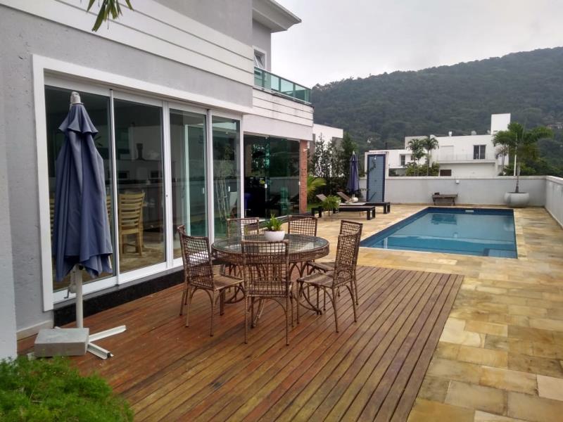 Casa-Codigo-1335-a-Venda-no-bairro-Lagoa-da-Conceição-na-cidade-de-Florianópolis