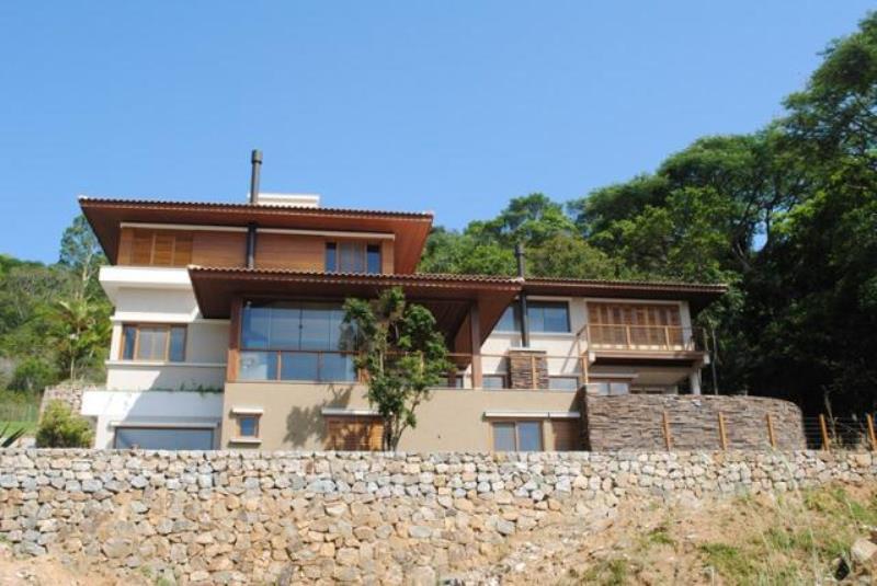 Casa-Codigo-1338-para-alugar-no-bairro-Lagoa-da-Conceição-na-cidade-de-Florianópolis
