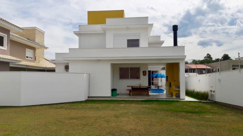 Casa-Codigo-1349-a-Venda-no-bairro-Campeche-na-cidade-de-Florianópolis
