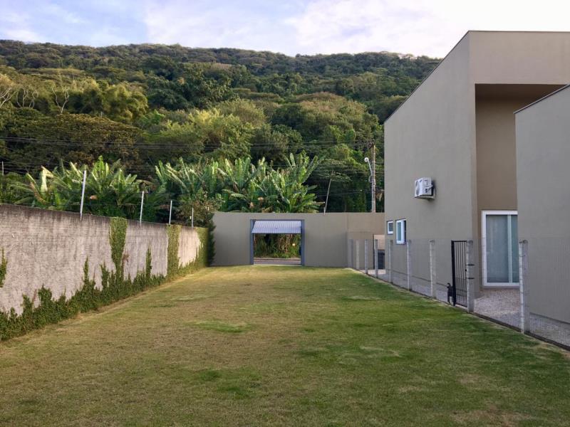 Terreno-Codigo-1354-a-Venda-no-bairro-Lagoa-da-Conceição-na-cidade-de-Florianópolis