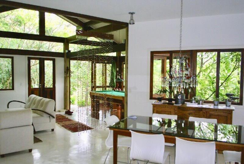 Casa-Codigo-1364-a-Venda-no-bairro-Lagoa-da-Conceição-na-cidade-de-Florianópolis