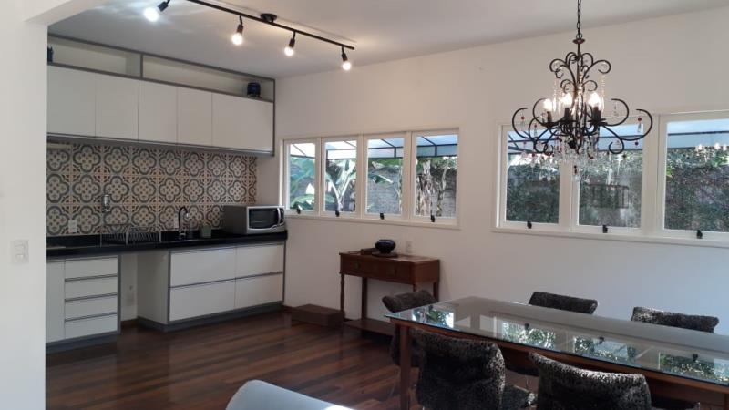 Casa-Codigo-1365-para-alugar-no-bairro-Lagoa-da-Conceição-na-cidade-de-Florianópolis