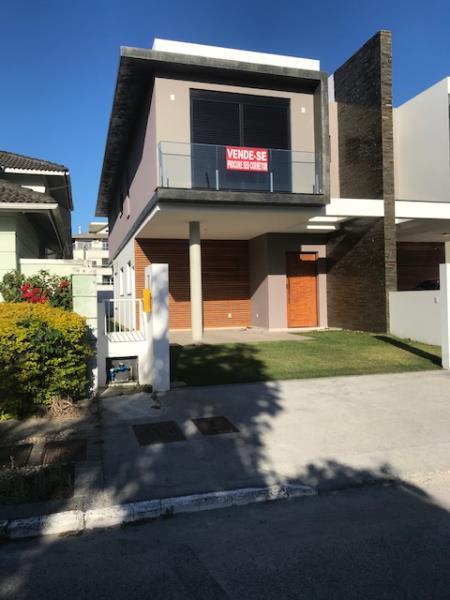 Casa-Codigo-1381-a-Venda-no-bairro-Campeche-na-cidade-de-Florianópolis