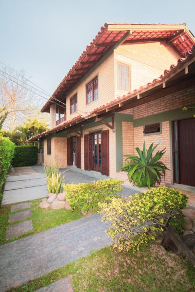 Casa-Codigo-1403-a-Venda-no-bairro-Lagoa-da-Conceição-na-cidade-de-Florianópolis