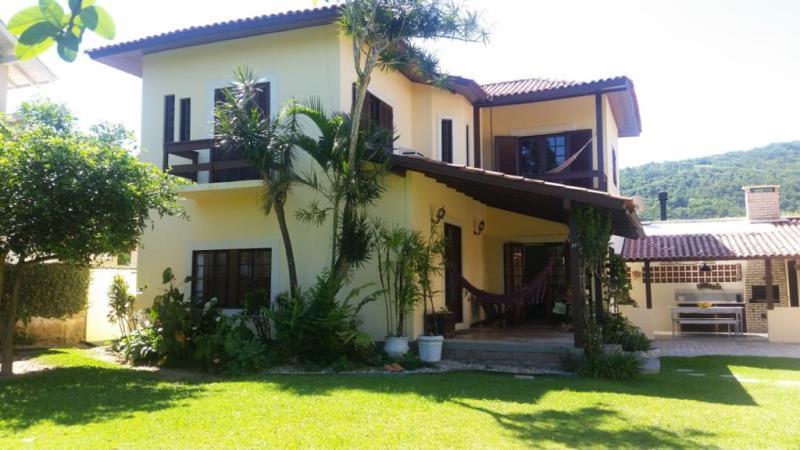Casa-Codigo-1405-a-Venda-no-bairro-Lagoa-da-Conceição-na-cidade-de-Florianópolis