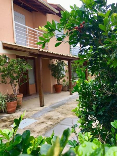 Casa-Codigo-1423-a-Venda-no-bairro-Barra-da-Lagoa-na-cidade-de-Florianópolis