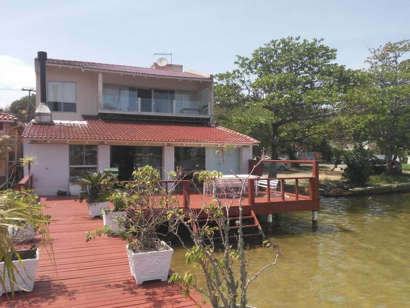 Casa-Codigo-1430-para-Alugar-na-temporada-no-bairro-Lagoa-da-Conceição-na-cidade-de-Florianópolis