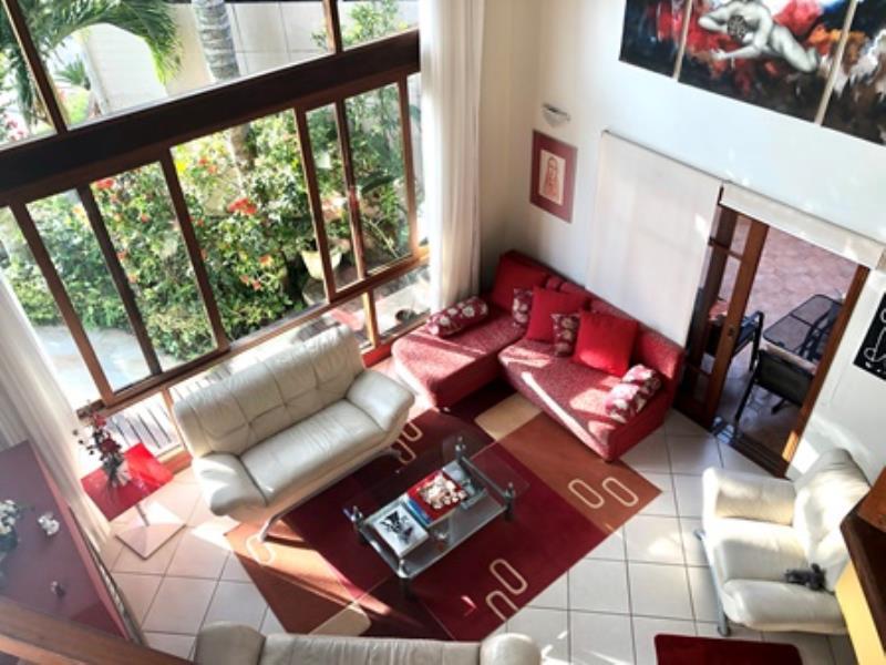 Casa-Codigo-1439-a-Venda-no-bairro-Lagoa-da-Conceição-na-cidade-de-Florianópolis