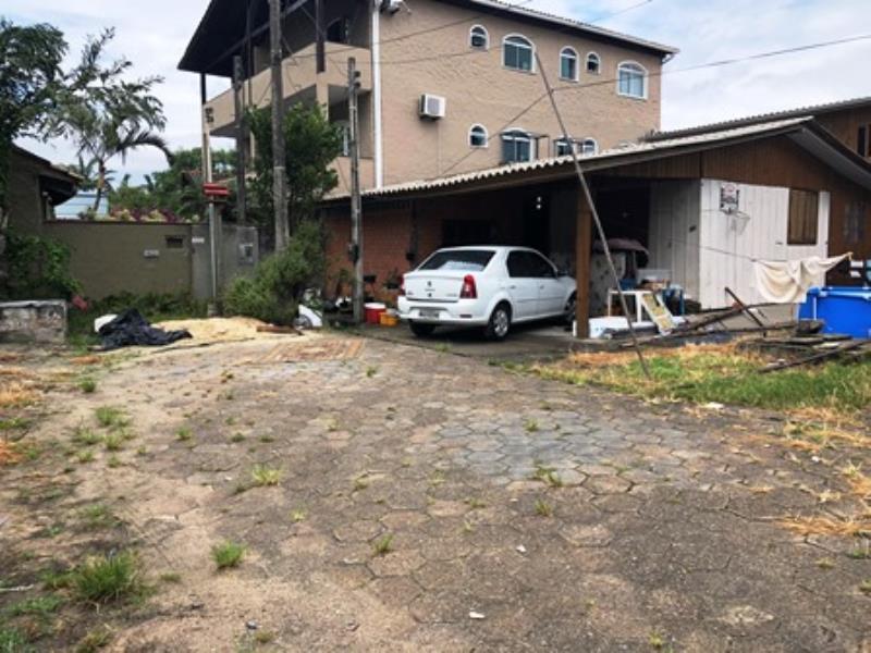 Casa-Codigo-1465-a-Venda-no-bairro-Lagoa-da-Conceição-na-cidade-de-Florianópolis