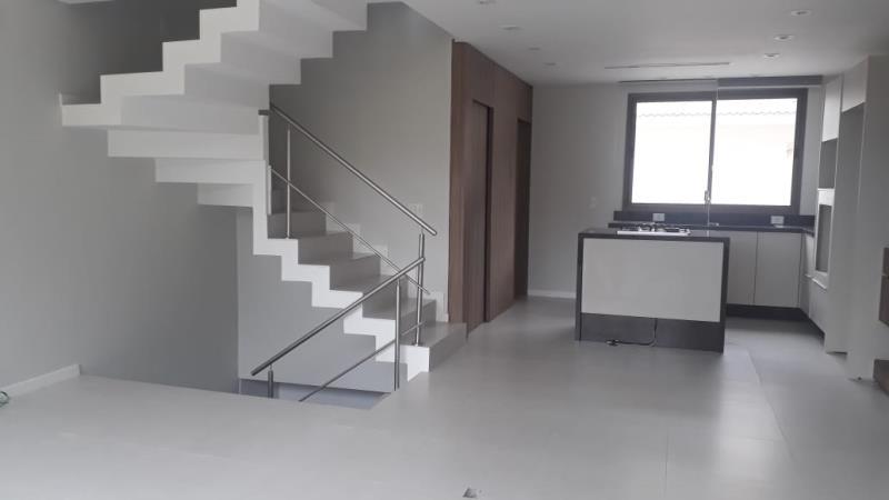 Casa-Codigo-1494-para-alugar-no-bairro-Lagoa-da-Conceição-na-cidade-de-Florianópolis