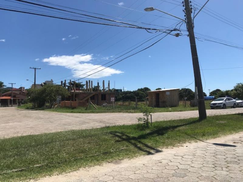 Terreno-Codigo-1500-a-Venda-no-bairro-Barra-da-Lagoa-na-cidade-de-Florianópolis