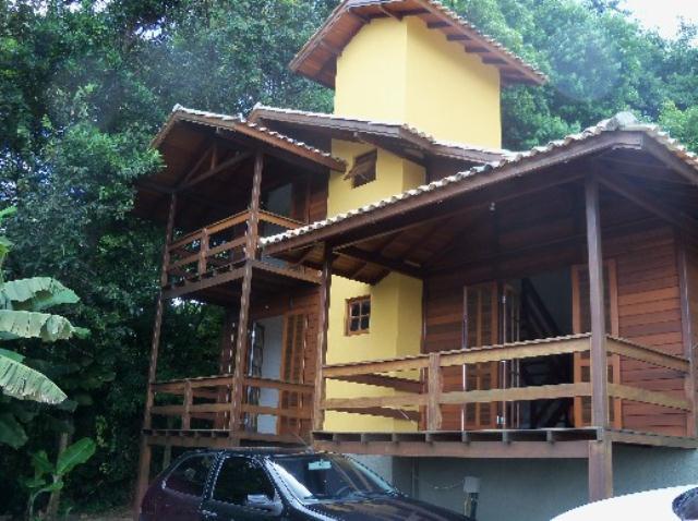 Casa-Codigo-104-a-Venda-no-bairro-Lagoa-da-Conceição-na-cidade-de-Florianópolis