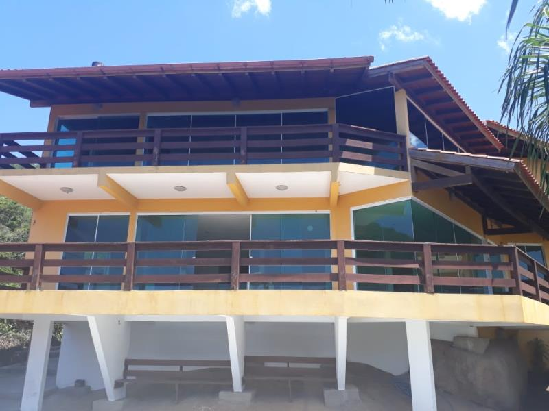 Casa-Codigo-151-para-alugar-no-bairro-Barra-da-Lagoa-na-cidade-de-Florianópolis