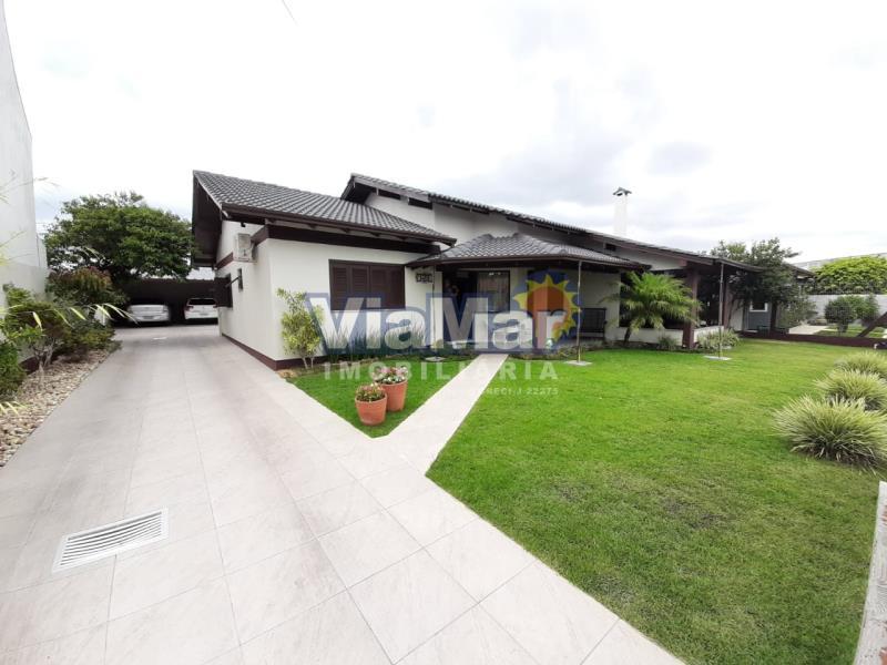 Casa Código 4237 a Venda  no bairro ZONA NOVA na cidade de Tramandaí