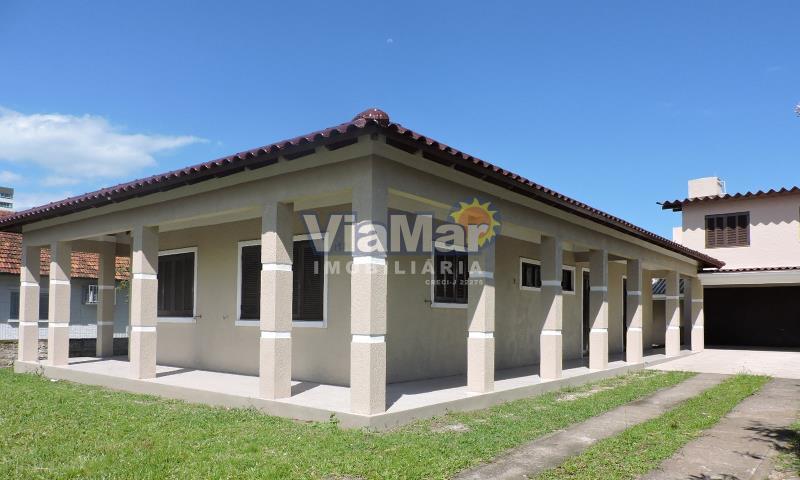 Casa Código 8660 a Venda  no bairro Centro na cidade de Tramandaí