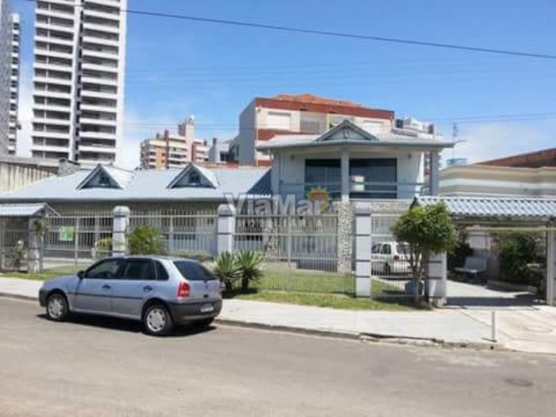 Casa Código 10221 a Venda  no bairro Centro na cidade de Tramandaí