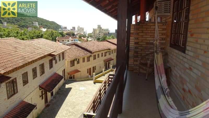 Apartamento Codigo 375 para Temporada no bairro Bombas na cidade de Bombinhas