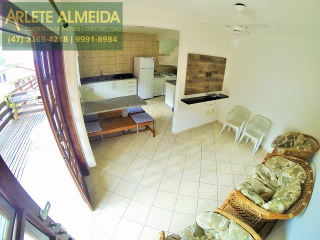 4 - LIVING CONJUGADO COM COZINHA