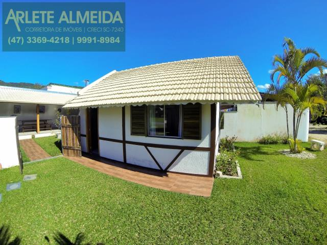 Casa Codigo 138 para Temporada no bairro Centro na cidade de Porto Belo